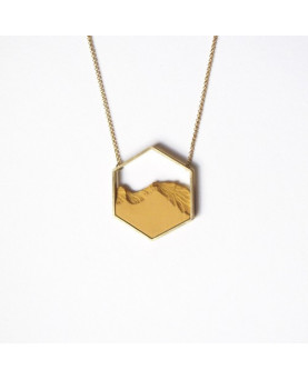 COLLAR HEXAGONO DORADO MOSTAZA